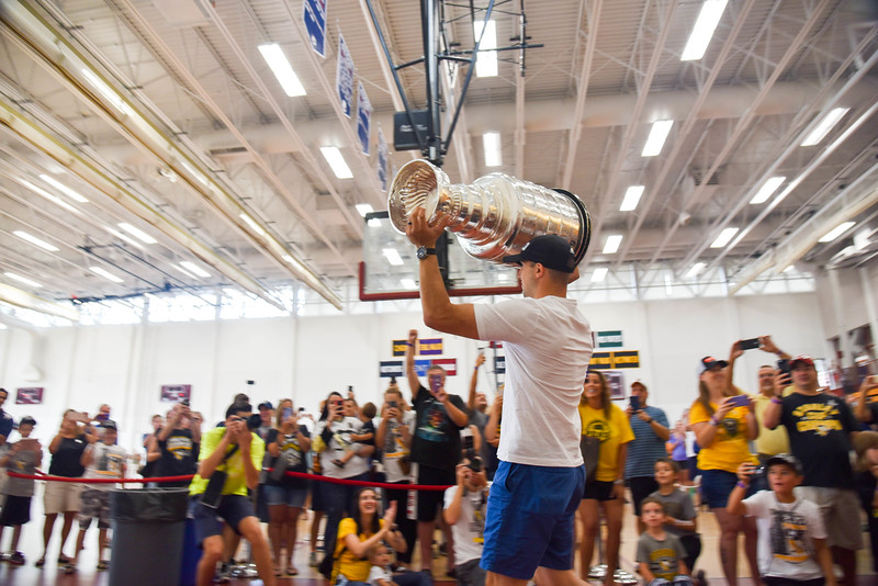 08202017_Stanley_Cup_Bonino_JS_6.jpg