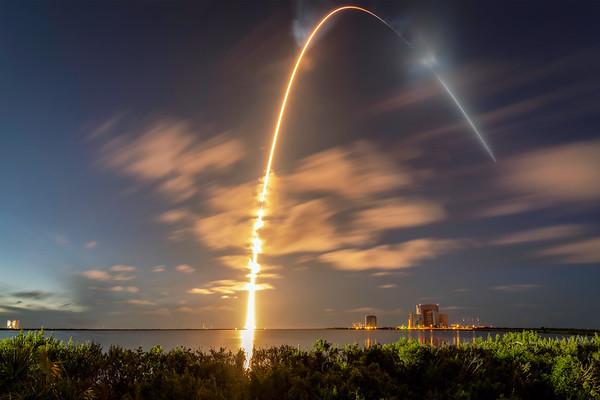 Inspiration 4 - Crew Dragon aboard a SpaceX Falcon 9