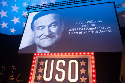 2016-10-22 USO of IL Salute Gala Navy Pier