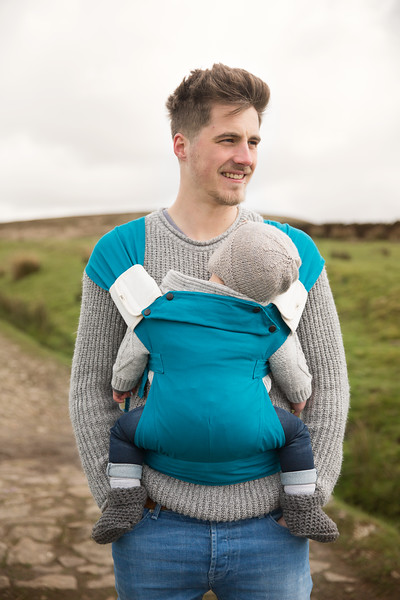 Izmi_Baby_Carrier_Cotton_Teal_Lifestyle_Front_Carry_Dad_With_Accessories.jpg