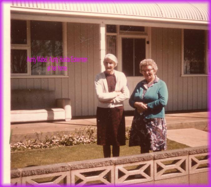 Aunty Mabel & Aunty Huilda Eckerman at her homeK0068.JPG