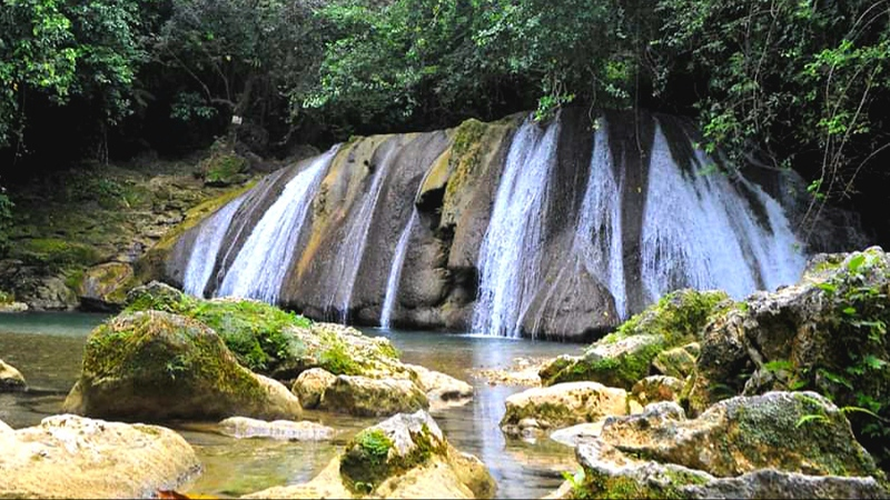 The Best Places to Visit in Jamaica: Reach Falls