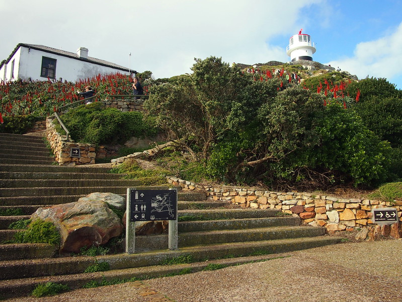 P5197321-cape-point-lighthouse.JPG