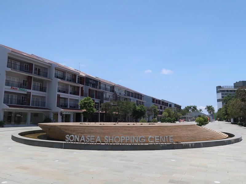 IMG_8988-sonasea-shopping-centre.jpg