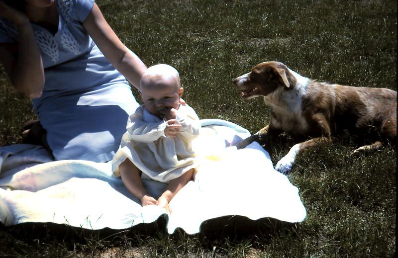 1965-12-8 (9) Susan 4 mths.JPG