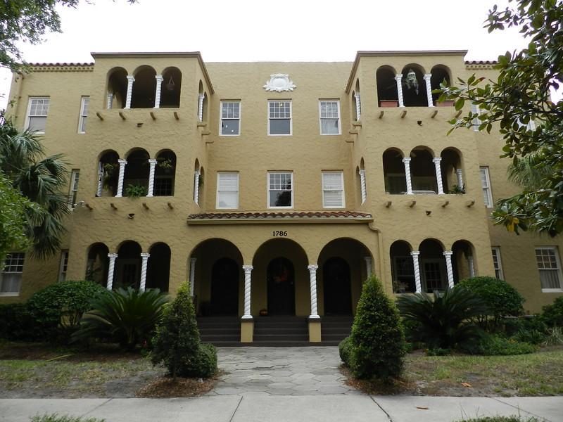 1786 Challen, apartments.JPG