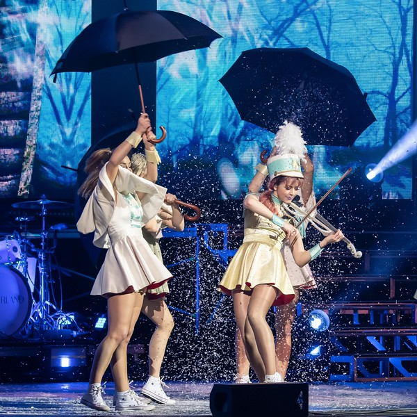 LINDSEY STIRLING AT THE METROPOLITAN OPERA HOUSE(THE MET) IN PHILLY