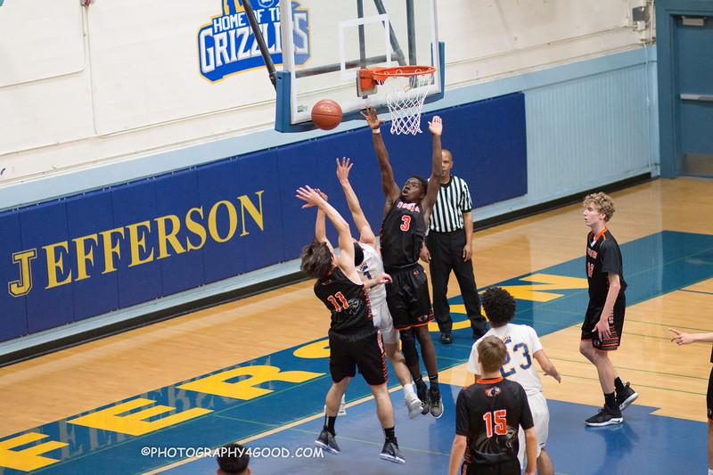 HMBHS Varsity Boys Basketball 2018-19-7839.jpg