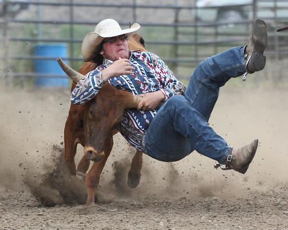 2014 Sioux Empire 4-H Rodeo - Sat Roping, Wrestling, & Riding