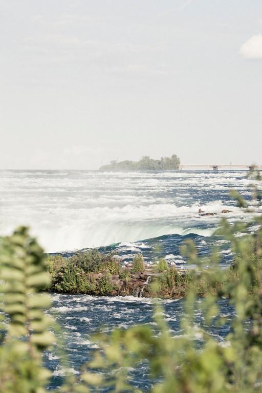 alexandergardner-Niagara-20110823-17