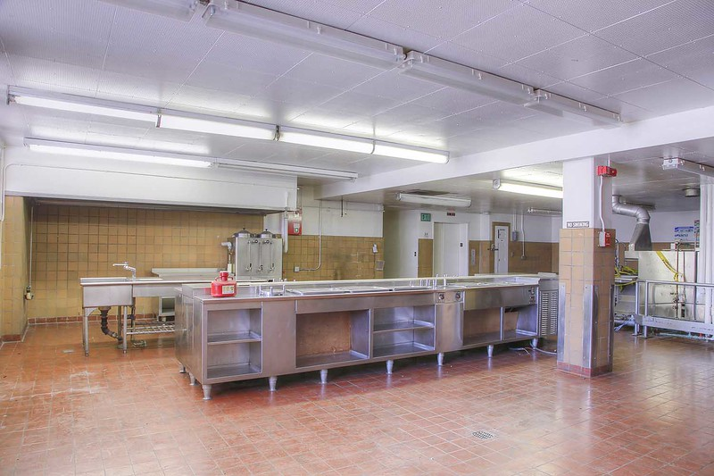 hospital_rm140_int3.jpg
