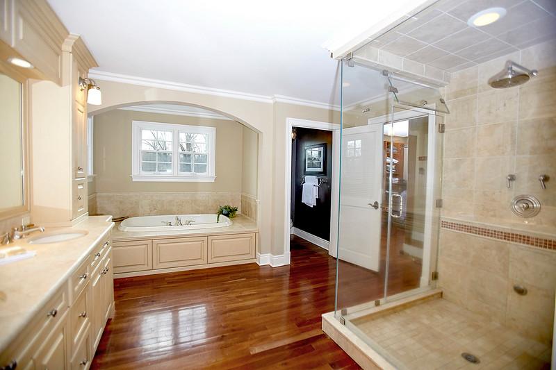 INSIDE HOUSE11933.jpg