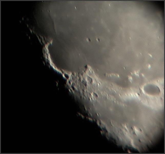 moon01082009_stacked6.jpg