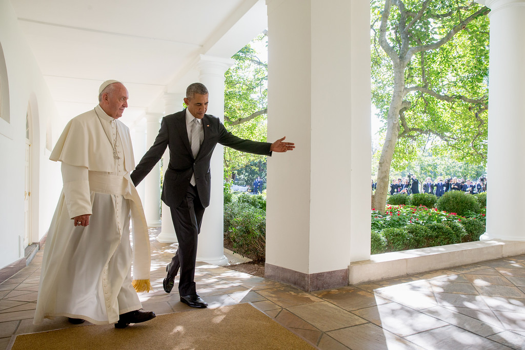 . President Barack Obama and Pope Francis walk down the Colonnade before meeting in the Oval Office of the White House in Washington, Wednesday, Sept. 23, 2015. (AP Photo/Andrew Harnik)