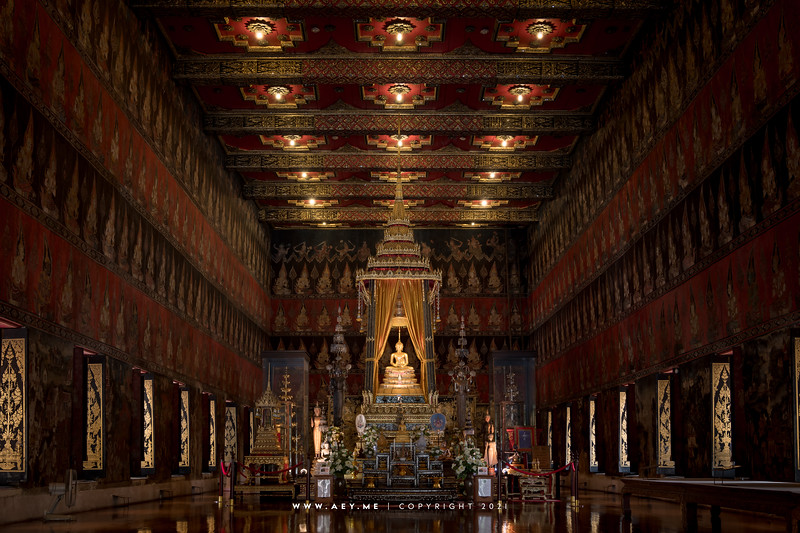 Buddhaisawan Chapel (Interior)