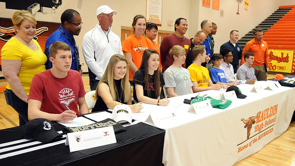 Student Athletes Sign Scholarships