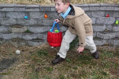 Family Egg Hunt, Gay St, Tamaqua (3-31-2013)