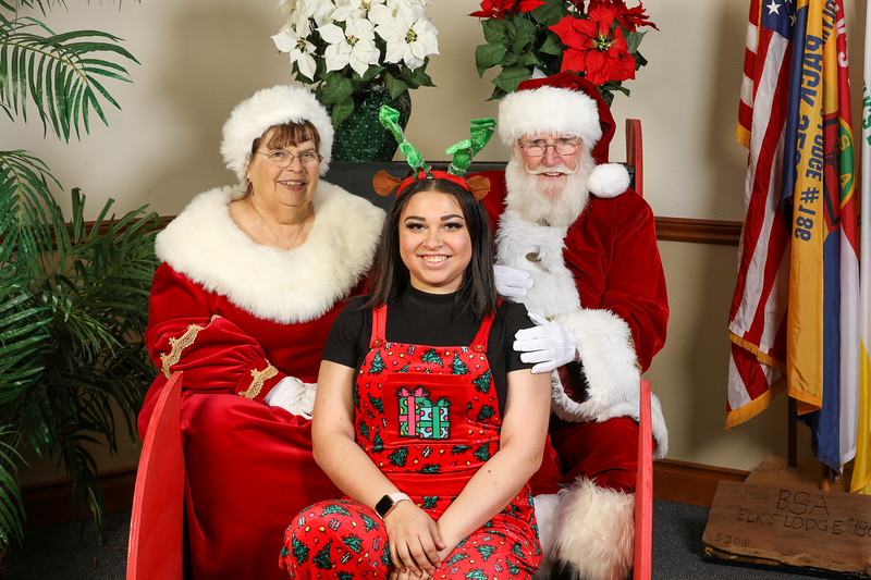 TBTP 2019 Photos with Santa-129.JPG