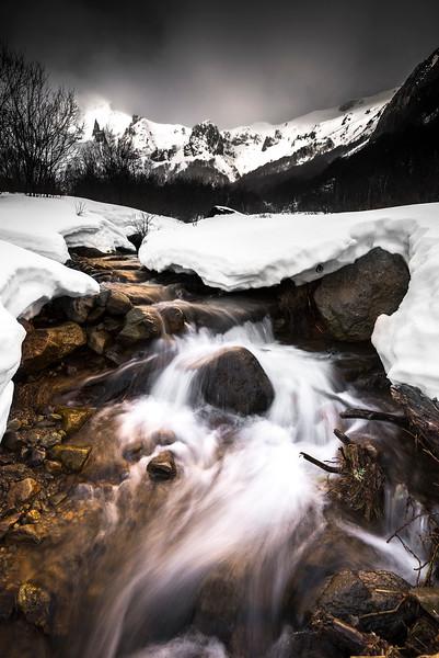 Vallée de Chaudefour ruisseau.jpg