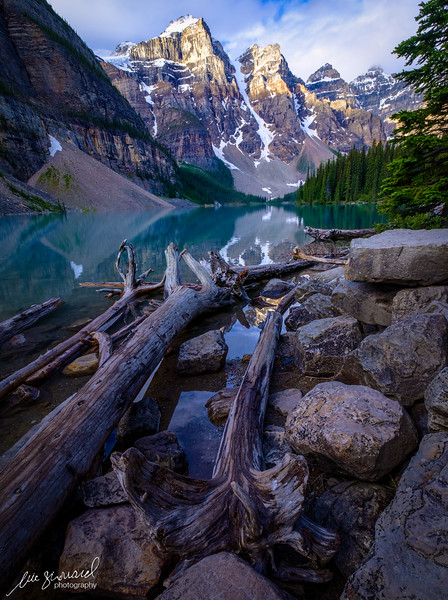 Sunrise at Moraine Lake