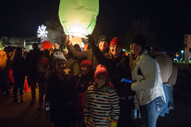 Holly Days Lantern Launch-38.jpg