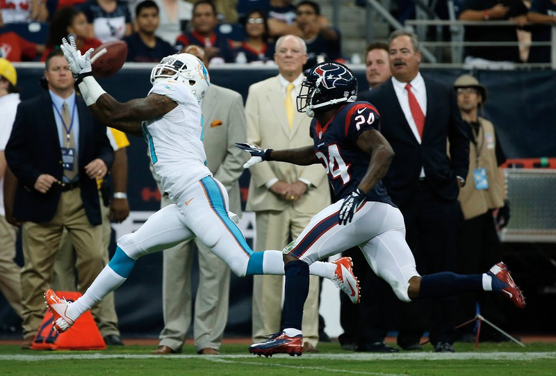 ". <p><b>MIAMI DOLPHINS</b> <p><i>�HANDS OF STONE�</i> <p>Mike Wallace took his talents to South Beach, we�re told <p>Cause he found Minnesota too chilly <p>Too bad the receiver cannot catch a cold <p>That $60 mill contract looks silly <p> <p><b><a href=\'http://www.twincities.com/ci_23451280/mike-wallace-vikings-offered-76-million-but-receiver\' target=""_blank\""> HUH?</a></b> <p>     (Scott Halleran/Getty Images) <p>"