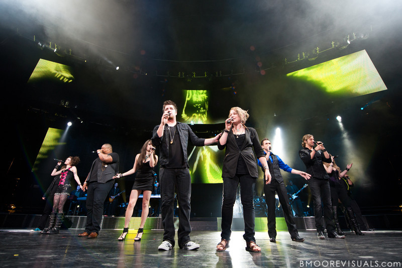 """Tim Urban, Siobhan Magnus, Michael """"Big Mike"""" Lynch, Katie Stevens, Lee Dewyze, Crystal Bowersox, Aaron Kelly, Casey James, Didi Benami, and Andrew Garcia perform during the American Idol Live! Tour at St. Pete Times Forum in Tampa, Florida on August 4, 2010."""