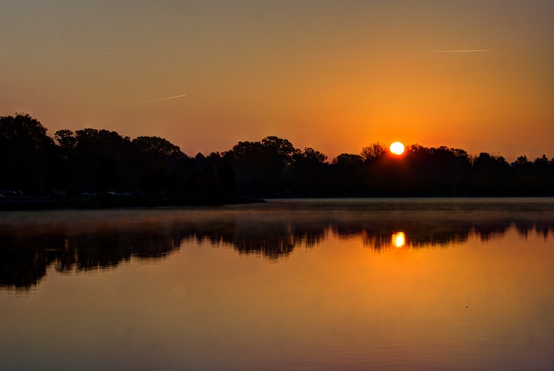 SpringfieldLake-SunriseNov6e-Beechnut-Photos-rjduff.jpg