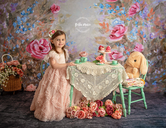 Siena's Tea Party   / Almost 4
