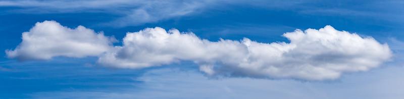 Die lange weisse Wolke