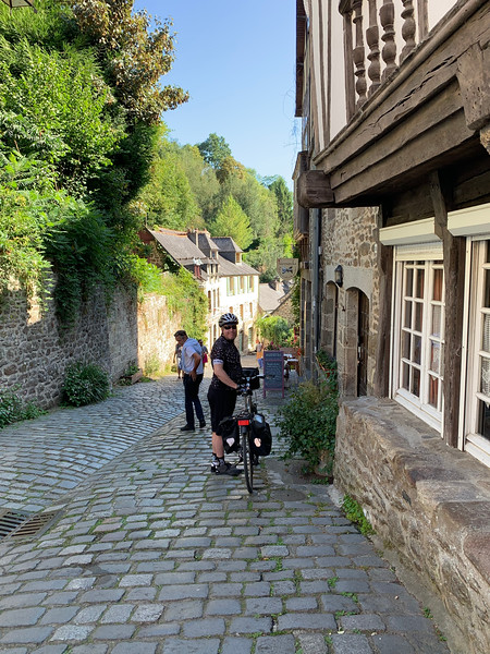 Exiting Dinan: not getting yelled at by shopkeeper.