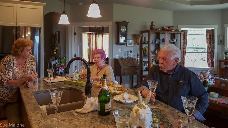 Easter with Deb Matthew and neighbors (19 of 25).jpg