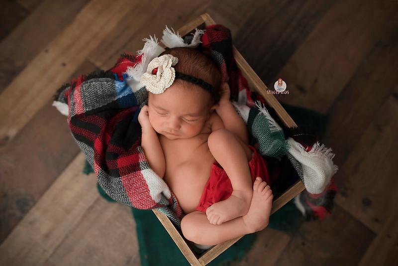 newborn-photographer-theme-7854 Eliana WEB.jpg