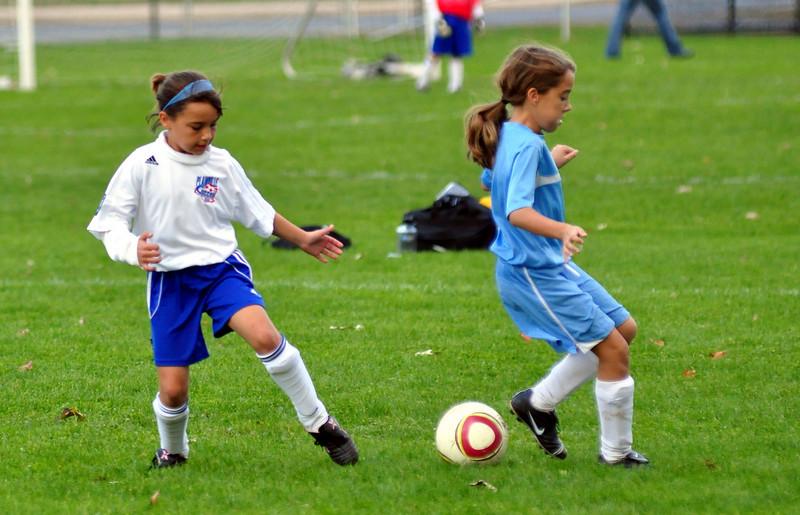 plainville u-11 girls soccer 10-17-10-004.jpg