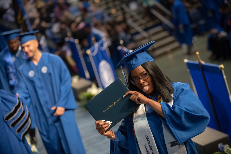 May 11, 2018 commencement-1994.jpg