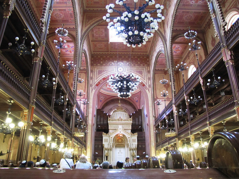 14-Sanctuary. Largest synagogue in Eurasia and second largest in the world after Temple Emanu-El, NYC. 2,964 seats (1,492 for men; 1,472 in the women's galleries). The synagogue is 75m long and 27m wide, built 1854–59 in Moorish Revival style.