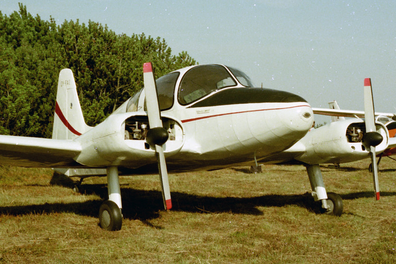 OY-FAI-HollanderHT1Hollschmidt-Private-Varde-1976-09-26-N47-17-KBVPCollection.jpg