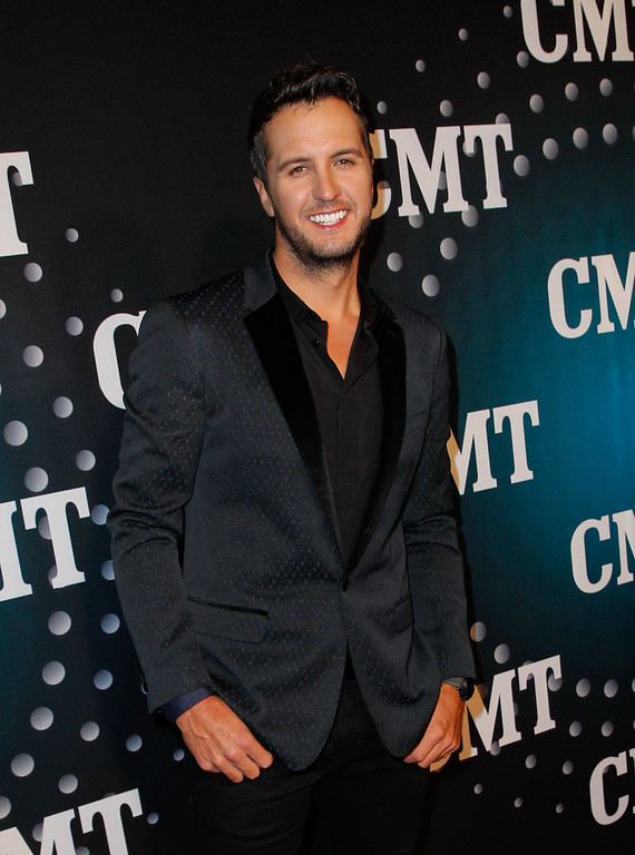 . Luke Bryan attends CMT Artists Of The Year 2013 on December 3, 2013 in Nashville, Tennessee.  (Photo by Terry Wyatt/Getty Images)