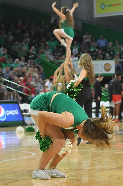 cheerleaders5099.jpg