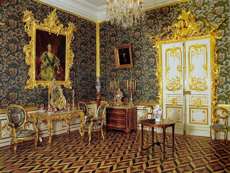 068-Palace-in-Peterhof-St.Petersburg-Russia-3.jpg