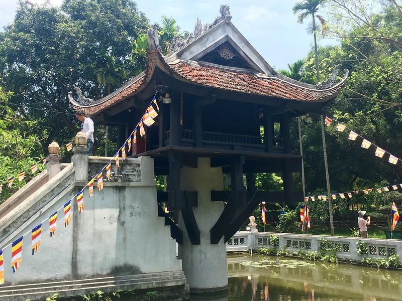One Pilar Pagoda - Things to do in Hanoi, Vietnam