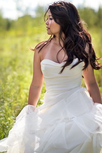 bride in field.jpg
