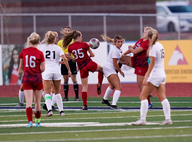 CCHS-vsoccer-pineview2448.jpg
