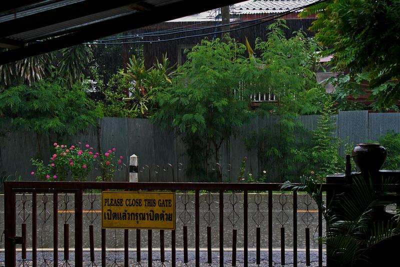 IMG_9762_front_gate_rain_6x9x300.jpg