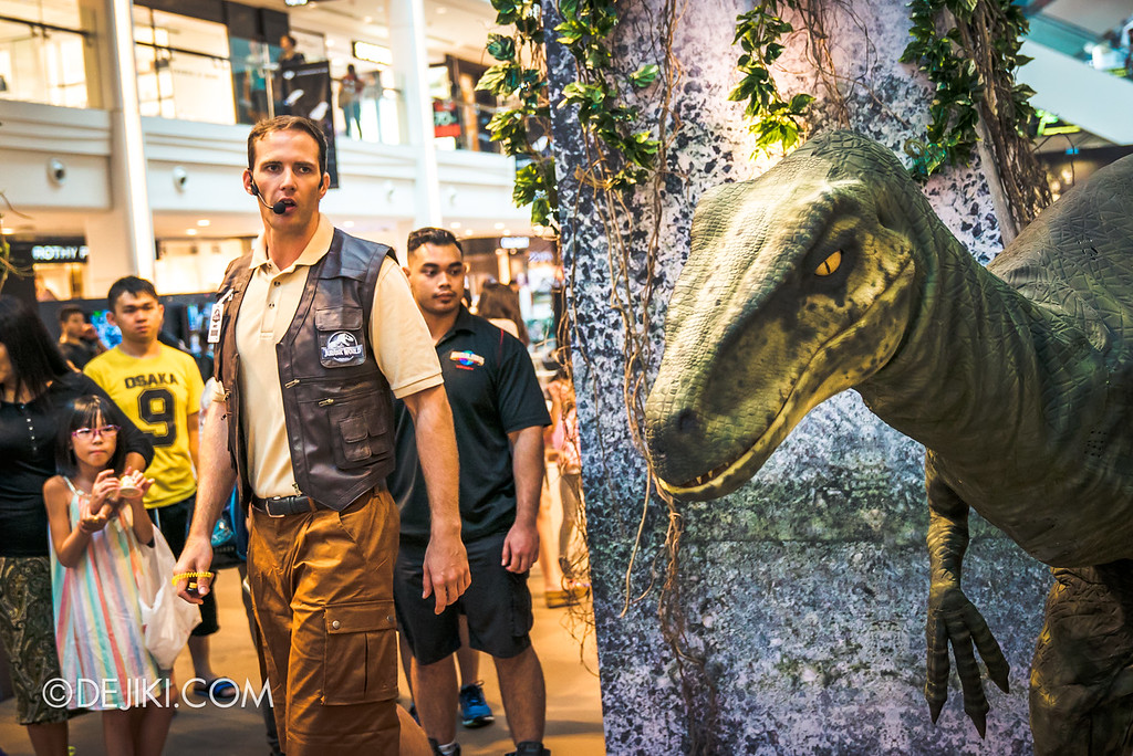 Universal Studios Singapore Park Update - Jurassic World Explore and Roar roadshow at Plaza Singapura featuring velociraptor Val and trainer Wyatt 3