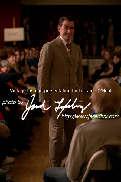 vintage_fashion_show_09_f4159048.jpg