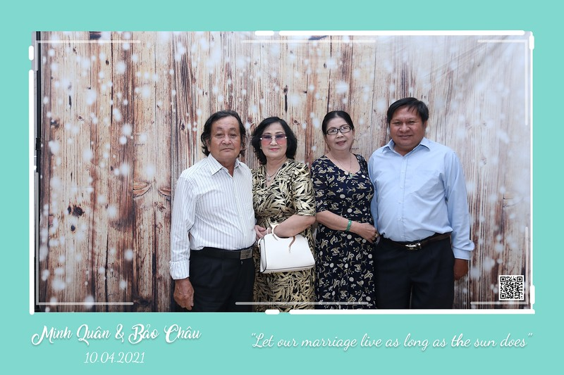 QC-wedding-instant-print-photobooth-Chup-hinh-lay-lien-in-anh-lay-ngay-Tiec-cuoi-WefieBox-Photobooth-Vietnam-cho-thue-photo-booth-124.jpg