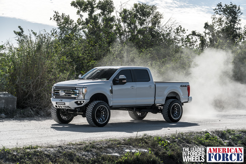 Champion4x4-Juan.S-White-2017-Ford-F250-Polish-Black-24x14-Tactical-Crown-WEB-180131-DSC00288-65.jpg