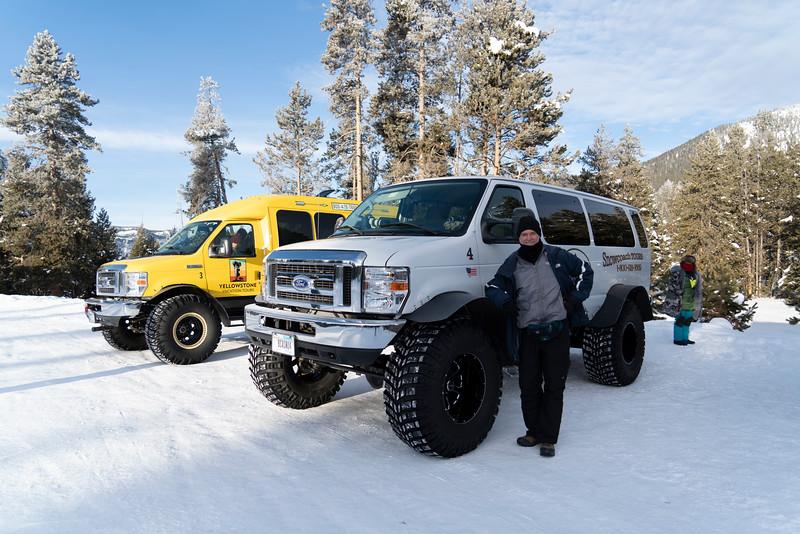 _AR71182 DW by our snowcoach.jpg