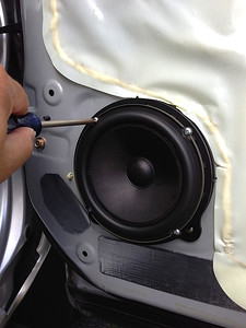 2006 Honda Ridgeline Front Speaker Installation - USA